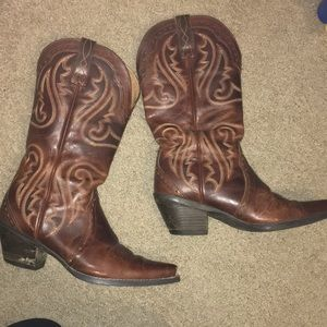 Shoes - Ariat Boots!